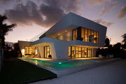 Nicolas Tye Architects: modern tarz Evler