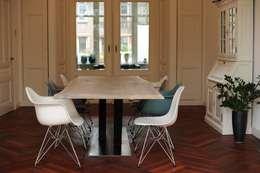 Industriele tafel V poot: industriële Eetkamer door RestyleXL