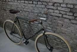 Naked Flying Dutchman:  Garages/schuren door BRINKHAUS fietsen