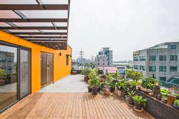 Terrazas de estilo  por JYA-RCHITECTS