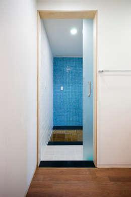 덕산 W-Building: JYA-RCHITECTS의  화장실