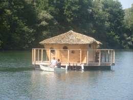 Cabane flottante pour 2 personnes - Lagon: Locaux commerciaux & Magasins de style  par Les Cabanes des Grands Lacs