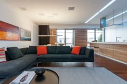 Livings de estilo minimalista por VALENTIROV&PARTNERS