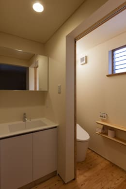 scandinavian Dressing room by 光風舎1級建築士事務所