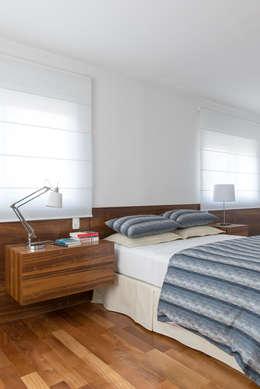 Projekty,  Sypialnia zaprojektowane przez GUSTAVO GARCIA ARQUITETURA E DESIGN