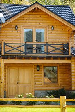 Casa Amancay Ι San Martín de los Andes, Neuquén. Argentina.: Casas de estilo rural por Patagonia Log Homes