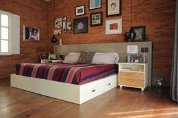 Dormitorios de estilo  por Mediamadera