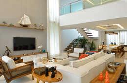 Salas de estilo moderno por Pinheiro Martinez Arquitetura