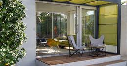 Studio jardin: Terrasse de style  par .oboo-outdoor