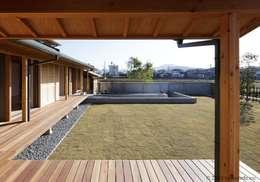 Jardines de estilo asiático por (株)ハウスインフォ