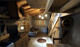 TANIERE DE BILBO LE HOBBIT à FLAYOSC (var) : Salon de style de style Rustique par Cabanes du Varon