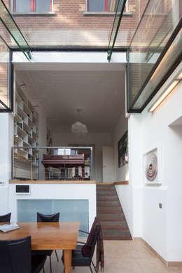 GLAZEN UITBOUW DUINWEG_02: moderne Huizen door HOYT architecten