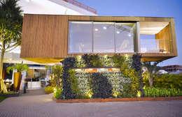 Maisons de style de style Moderne par Studium Saut Arte & Interiores