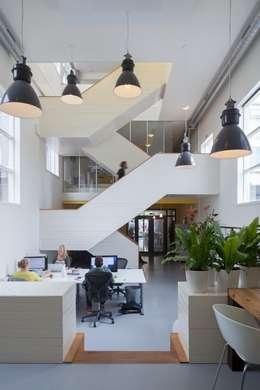 TRANSFORMATIE VAN KERK NAAR KANTOOR_01:  Kantoorgebouwen door HOYT architecten
