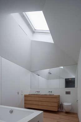 Unterlandstättner Architekten의  화장실