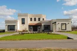 VISTA FRENTE: Casas de estilo rural por Parrado Arquitectura