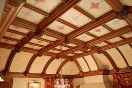 klassischer Flur, Diele & Treppenhaus von Arttus
