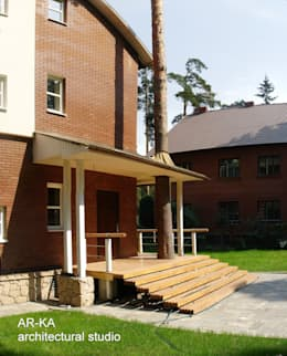 Дом в Малаховке: Дома в . Автор – AR-KA architectural studio