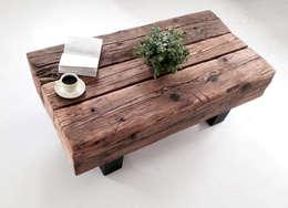 Stolik kawowy ze starych ponad 100 letnich bali: styl , w kategorii Salon zaprojektowany przez Wichaister