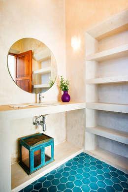 moderne Badkamer door Taller Estilo Arquitectura