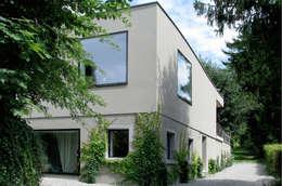 modern Houses by LENGACHER EMMENEGGER PARTNER AG
