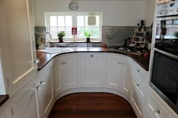 country Kitchen by Oliver's Kitchens