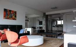 DPTO GRNT: Livings de estilo mediterraneo por Najmias Oficina de Arquitectura [NOA]