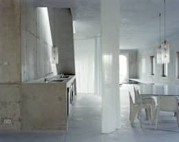 Projekty,  Kuchnia zaprojektowane przez Brandlhuber+ Emde, Schneider