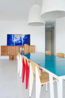 Maison Blanche: Salle à manger de style de style Méditerranéen par nesso