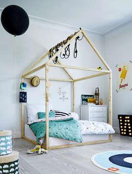 Hippe jongens kamer van Done by Deer: scandinavische Kinderkamer door De Kleine Generatie