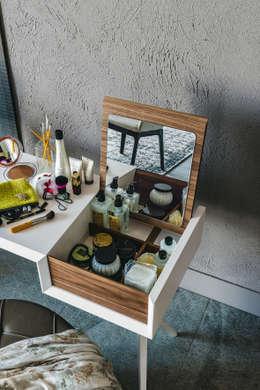 modern Bedroom by Versat