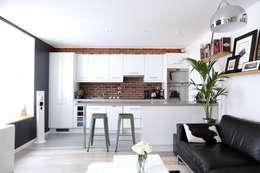 Aménagement d'un appartement de 60m² - Nanterre: Cuisine de style de style Industriel par MadaM Architecture