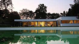 Tuingevel: moderne Huizen door Lab32 architecten