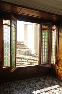 elegance d'un vitrail classique : Fenêtres de style  par Verre et Vitrail
