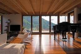Ruang Keluarga by KAWA Design Group