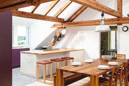 innenausbau dachgeschoss: rustikale Küche von | o.ho | die möbelschreinerei