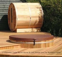 Cedar Hot Tubs UK: eklektik tarz tarz Bahçe