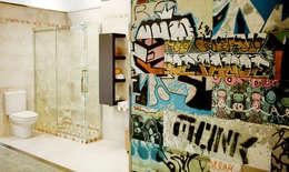 Baños de estilo  por AZULEJOS HG SL