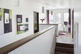 Projekty,  Korytarz, przedpokój zaprojektowane przez RENSCH-HAUS GMBH