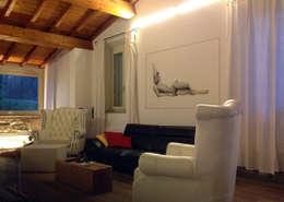 Salas / recibidores de estilo  por ELISA POSSENTI ART