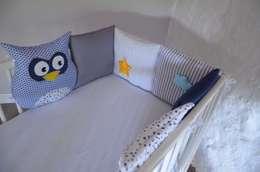 Tour de lit bébé chouettes, étoiles et nuage: Chambre d'enfants de style  par ShanouK, les petites mains...