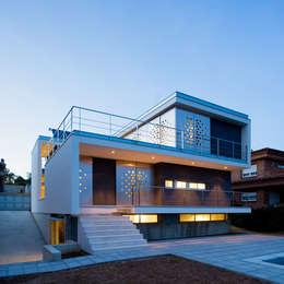 casa ch_v casas de estilo minimalista de agua_architects