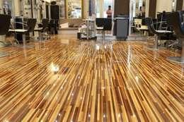 Muren door Floorless Floors Ltd