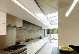 moderne Keuken door Volume 3