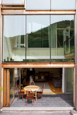 modern Houses by CRSH Architecture and Energy