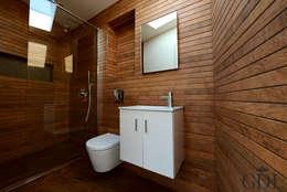 Projekty,  Łazienka zaprojektowane przez Grand Design London Ltd