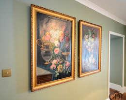 Paredes y pisos de estilo clásico por Grand Design London Ltd