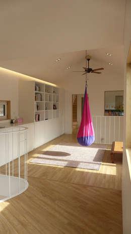 2층 가족실: 삼간일목 (Samganilmok)의  거실