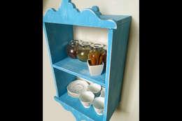 Pons Home Design – Mavi Mutfak Rafı: klasik tarz tarz Mutfak