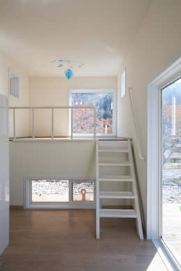 독립동 복층실내: 주택설계전문 디자인그룹 홈스타일토토의  침실